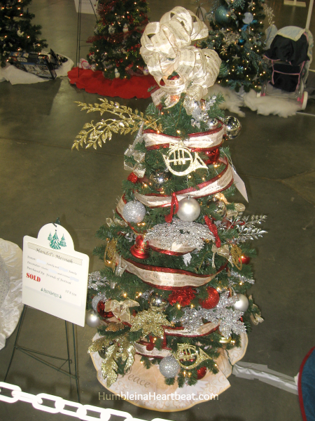 Handel's Messiah Themed Christmas Tree at Festival of Trees 2014