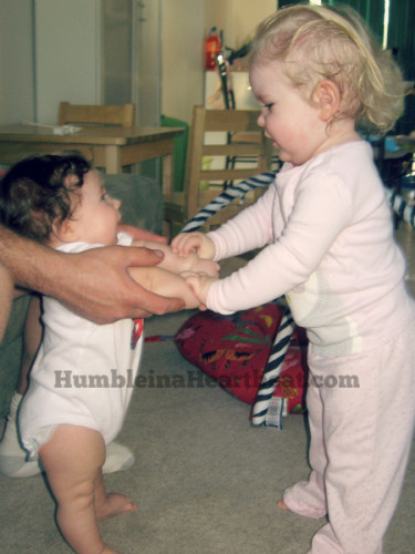 helping-sister-girl