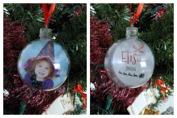 Photo ornaments are a fun gift to give to grandparents or even to make for your own tree. Here's an easy tutorial to learn how to make name cards to put with the pictures in the ornaments | Easy DIY tutorial