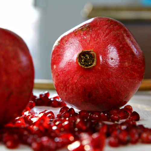 How to Deseed a Pomegranate in Under 3 Minutes {+ Video Tutorial!}