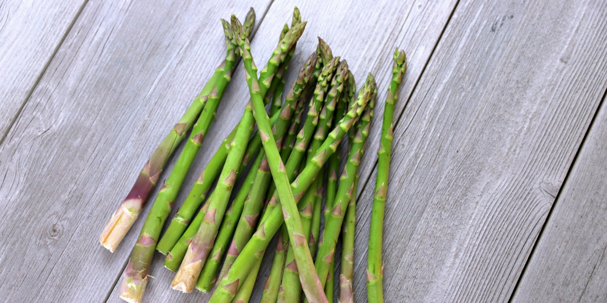 Tired of eating the same old vegetables every single week? Switch it up with this monthly produce challenge and try one new veggie each month. This month we tried asparagus 9 different ways!