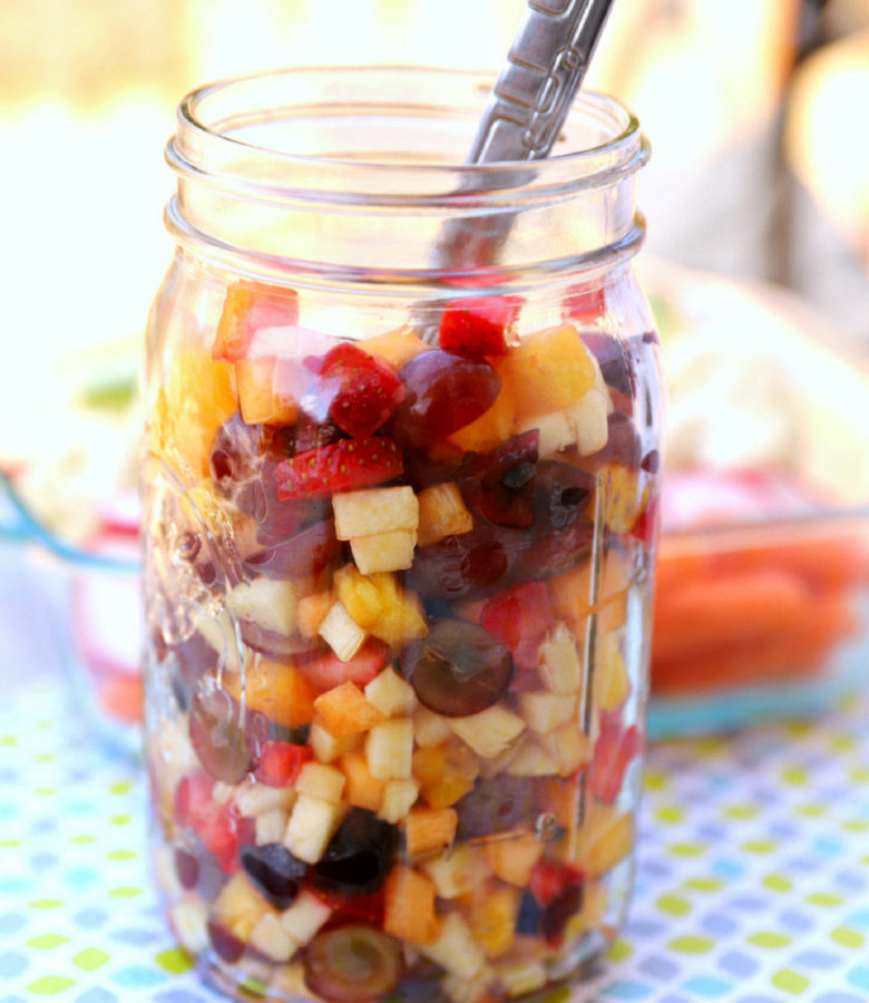 Few things in life are better than having healthy food ready when you need it most. That's why fruit salad in a jar is so genius. Keep a jar of fruit salad in the fridge at all times and your family will have no option but to eat it!